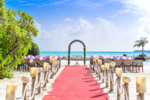 Plan your destination wedding with Wisconsin's best travel agent, Midwest Travel Club!